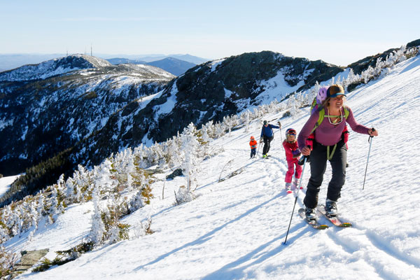 Family skinning up Mt Mansfield